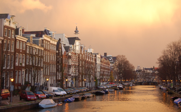 T. Rowe Price bolsters Dutch client relations team