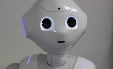 Advisers eye robot future with some suspicion