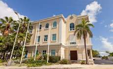 Bankrupt Cayman bank settles with SEC