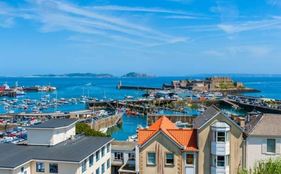 Guernsey looking at AI to tackle shortage of finance workers